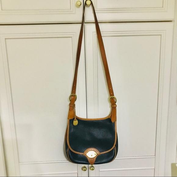 Dooney and Bourke vintage shoulder bag
